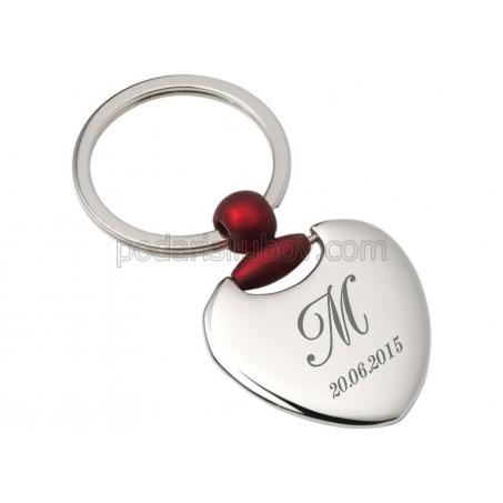 Метален ключодържател сърце с Вашите инициали и дата