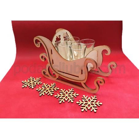 Дървена шейна с 4 шота и подложки - снежинки, играчки за елха