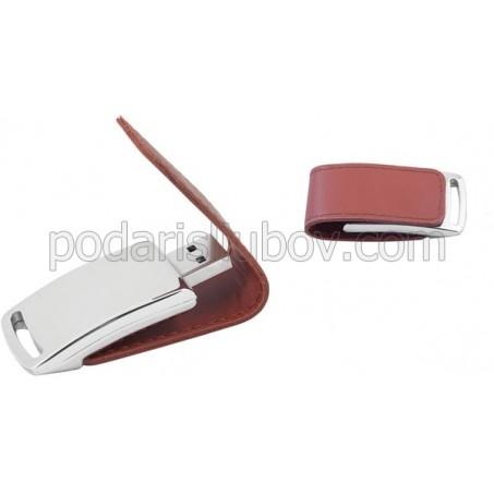 USB памет 16GB, с кожен калъф, на едро