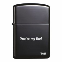 Гравирана запалка в черен цвят, с Ваш надпис