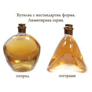 Нестандартна бутилка с бяло вино в луксозна кутия, с или без персонализиран етикет