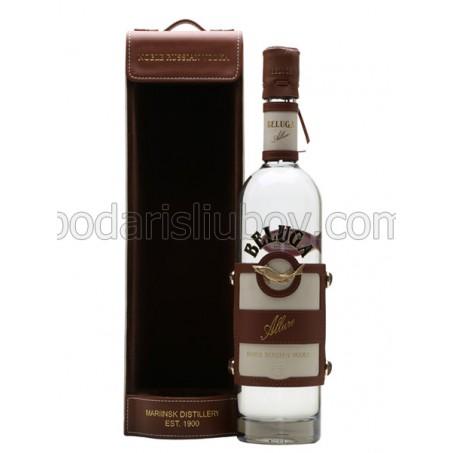 Елегантен подарък - водка в кожена опаковка