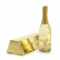 Златно шампанско (шампанско със златни частици)