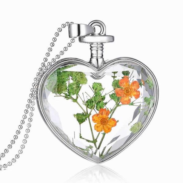 Дамско колие Сърце, средно, цветя микс Пролетна наслада
