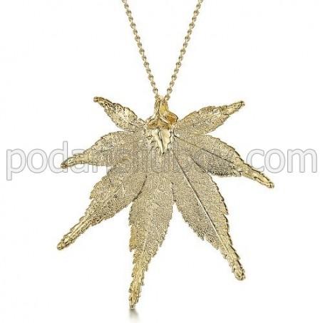 Медальон позлатено листо от японски клен