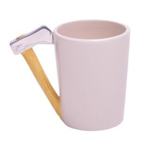 Порцеланова чаша с дръжка брадва