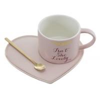 Чаша с лъжичка и чинийка, сърце