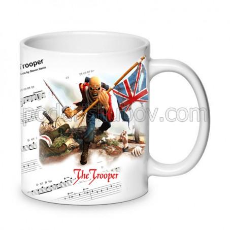 Бяла керамична чаша Iron Maiden The trooper