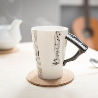 Чаша за музикант, с дръжка Пиано