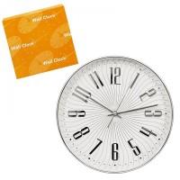 Стенен часовник със сребърни цифри