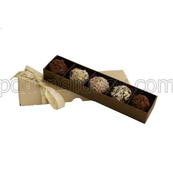 Кутия с 5бр. трюфели с ликьор
