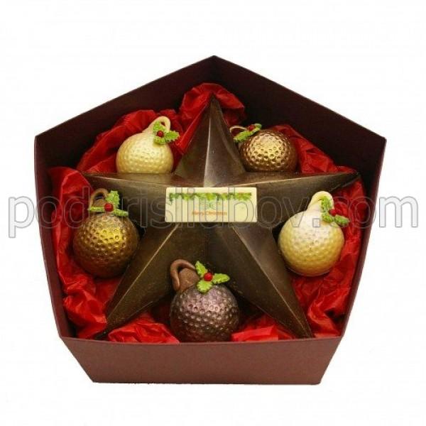 Шоколадова звезда с коледни топки