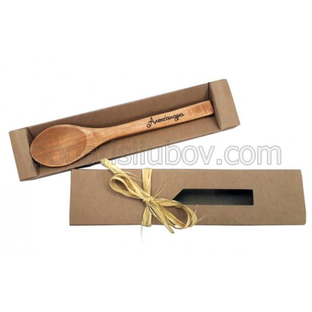 Гравирана дървена лъжичка с името на бебето