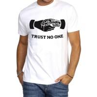 """Мъжка тениска """"Trust no one"""""""