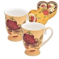 Червени рози. Комплект чаши за кафе и чай в картонена кутийка сърце.