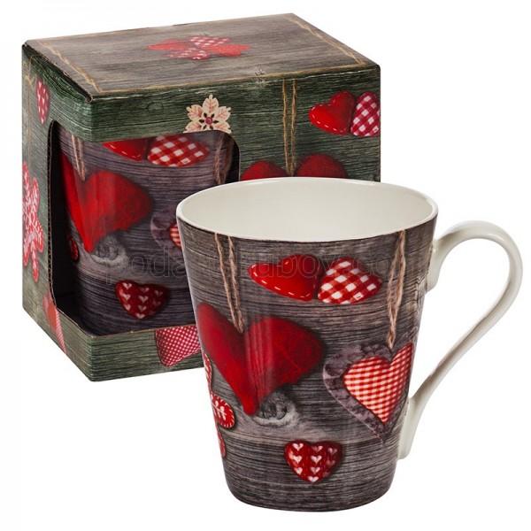Коледна любовна чаша със сърца