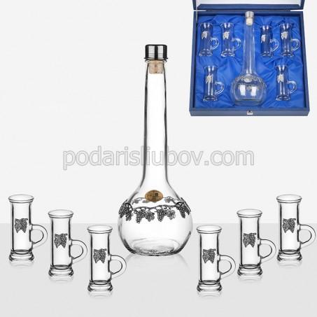 Комплект за ракия с бутилка и шест чаши с дръжки