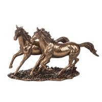 Керамична статуетка Тичащи коне