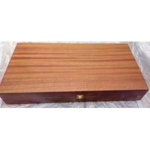 Дървена табла с махагонов фурнир