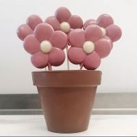 Шоколадова ваза с цветя