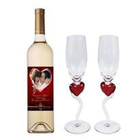 Готов комплект за 8 март - бяло с вино с етикет и две чаши