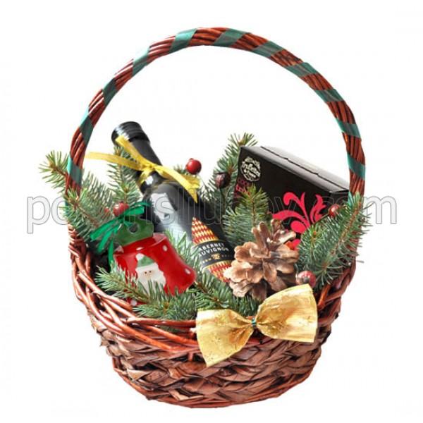 Кошница за Коледа с малко вино