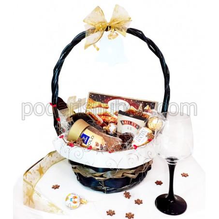 Кошница Лусозна Коледа, с Линдор, Катаржина Естейт, кафе, шоколад Бейлис и чаша