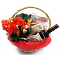 "Кошница ""За душата"", с цветя, вино и поезия"