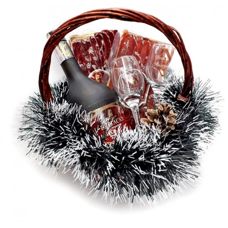 Коледна кошница с ракия, мезета и гравирани чаши с Ваш текст