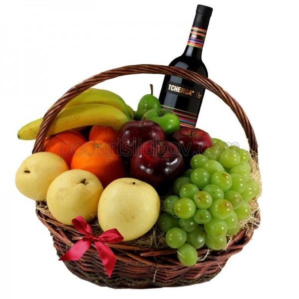 Кошница с вино и плодове