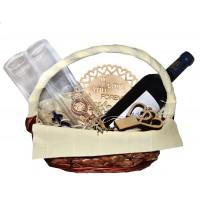 Романтична кошница в натурални цветове