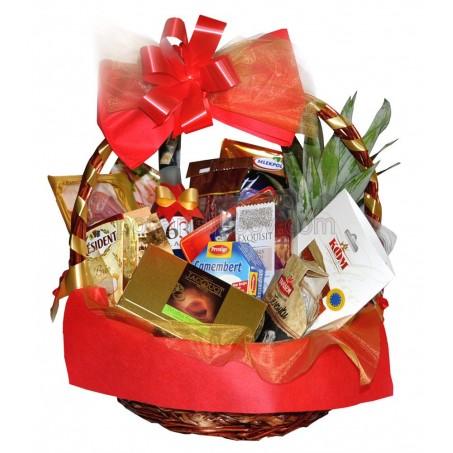 VIP кошница за специални случаи с ракия, сирена и мезета