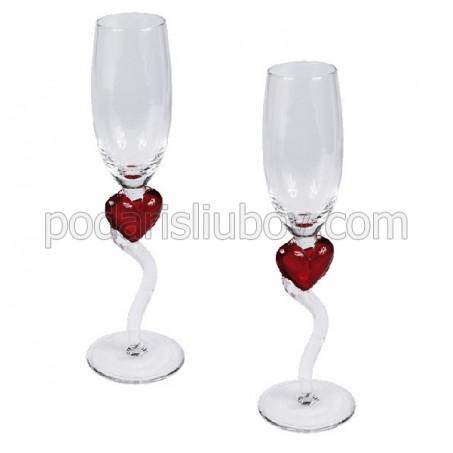 Комплект любовни чаши със сърца и извити дръжки