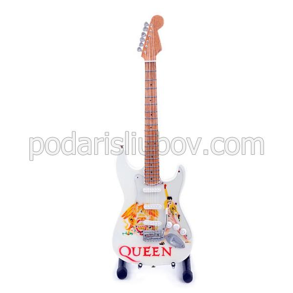Сувенирна китара Queen