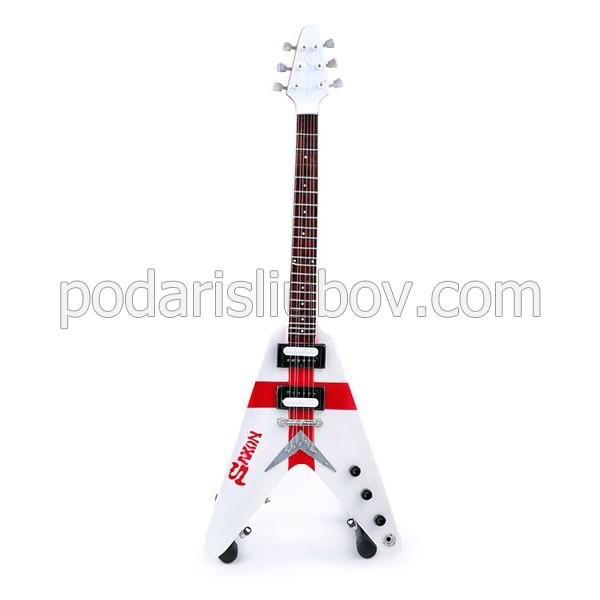 Сувенирна китара Saxon