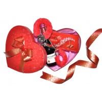 Романтична кутия сърце с вино, шоколад и белезници